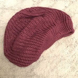 🛑Vera Wang Purple slouchy hat beanie